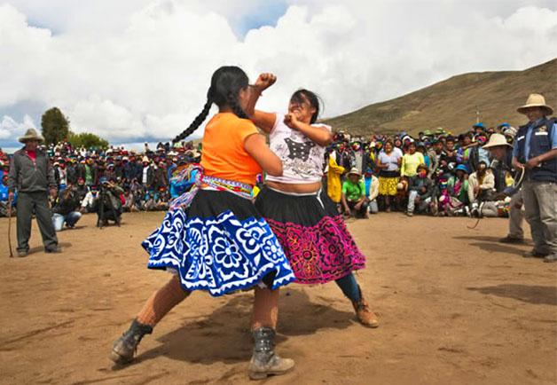 25 de diciembre, el takunakuy y los gorilazos de Chumbivilcas -  Cusco Post